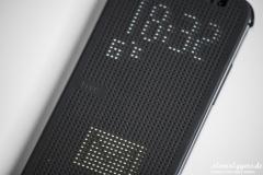HTC Dot View Cover -mit M8 Dot View nah.jpg