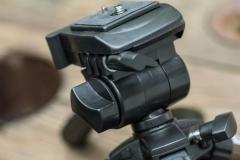 Eurosell---Mini-Stativ-KN-Tripod17N_Schrauben2