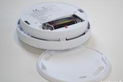 VisorTech Photoelektrischer Rauchmelder, offen mit Batterie.jpg